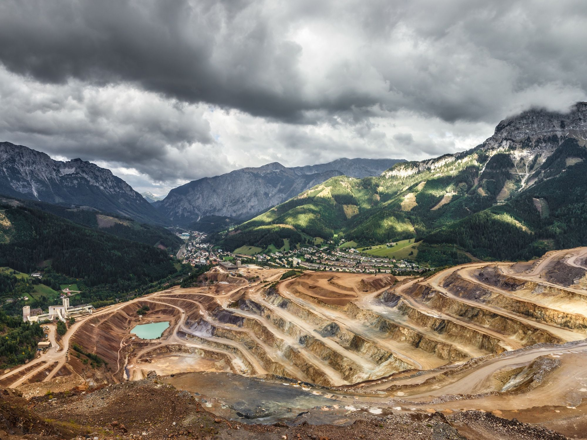 Veteran investor Paul Johnson gives insight into the natural resources sector