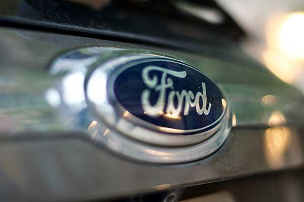 Ford overcomes computer chip shortage, posts surprise profit