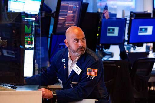 Stocks rise following encouraging employment data, earnings