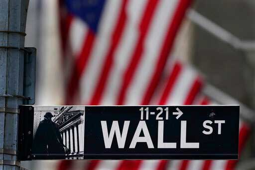 Wall Street stumbles at the close of another strong month